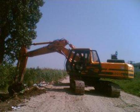 Excavator JCB JS.220N de la SC. Bodrutrans SRL