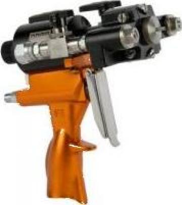Pistol pulverizat - spuma poliuretanica si polyurea de la Synthegama Srl