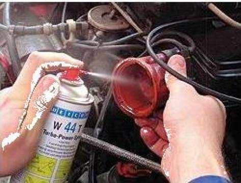 Spray lubrifiant W-44T de la Emco Star Srl