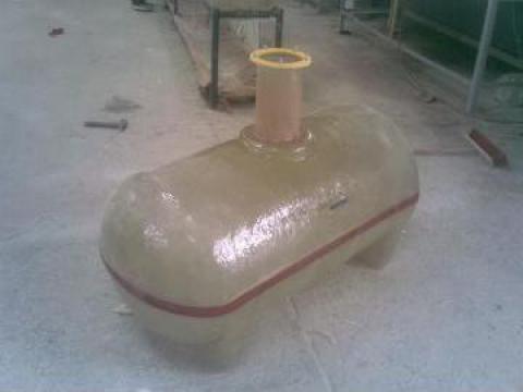Recipient 500 litri erbicidat de la Sc Fibromar Srl
