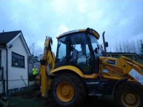 Buldoexcavator JCB de la Aa Silmeg Construction Ltd