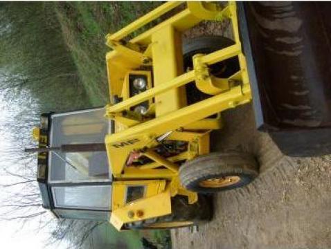 Buldoexcavator Massey Ferguson 50B de la Sc Hilger Galabau Srl