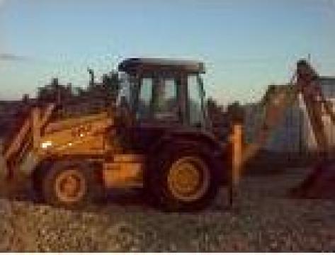 Buldoexcavator Case de la Daf & G Construct Srl