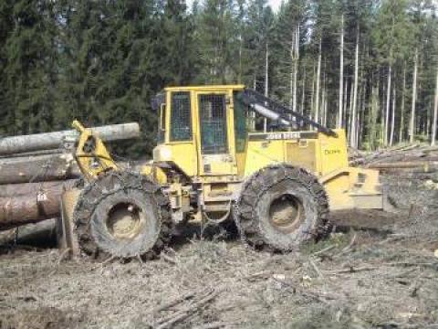 Tractor forestier articulat John Deere 584 G de la X Terrajobs