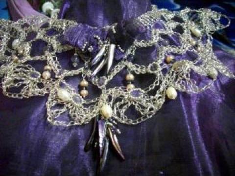 Bijuterie din sarma de argint Trandafiri violet de la Oprisan Alina PFA
