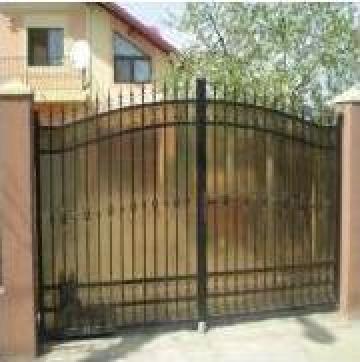 Poarta cu placare de policarbonat