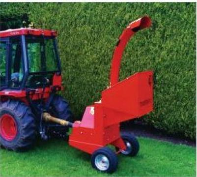 Tocatoare crengi Timberwolf - Tractor mounted de la Elkoplast Romania Srl.