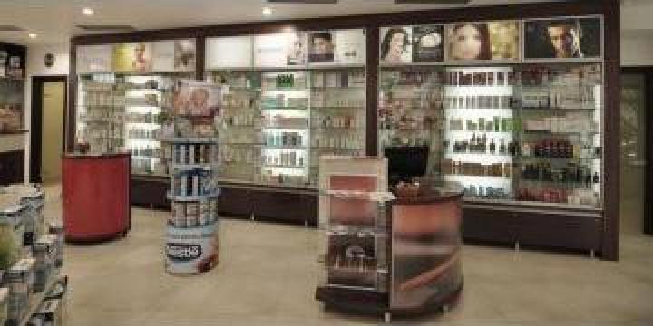 Mobilier farmacie de la Sc Pharma Design Srl