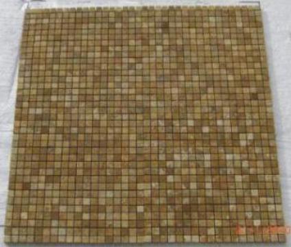 Mozaic Travertin Tumbled Mix Gold 1x1.5x1.5 cm de la Geo & Vlad Com Srl