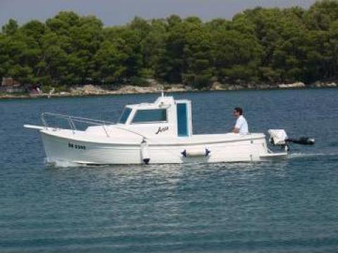 Ambarcatiune yacht Bluestar Retro Cabin de la Yachtpark Kft.