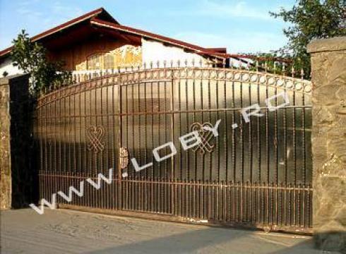 Gard si poarta din fier forjat Nod de la Loby Design