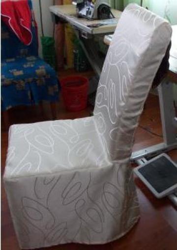Husa pe forma scaunului brocard