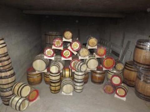 Butoaie din lemn de dud, salcam si stejar 4-600 litri de la PFA Bratu Catalin