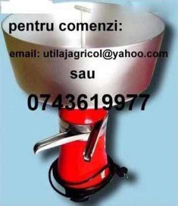 Separator centrifugal electric de smantana de la Pfa Catalin Catalin