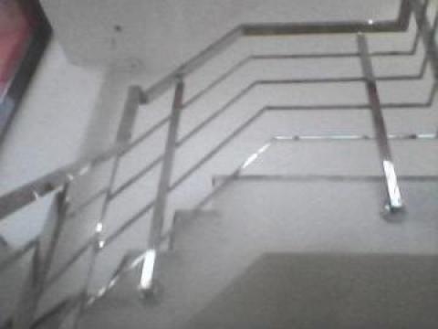 Balustrada inox cu patru fire sub mana curenta de la Meseriasii Srl