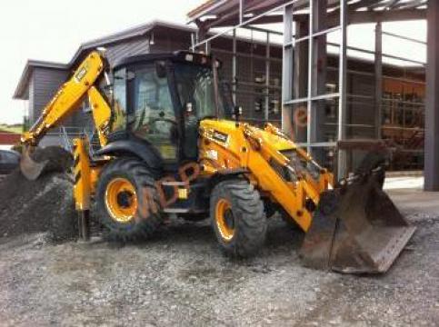 Inchiriere excavator 3CX cu picon 400kg de la Magazinul De Piese Utilaje Srl