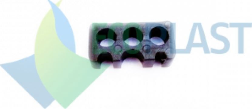 Distantier plastic fier beton M2 de la Ecoplast Srl