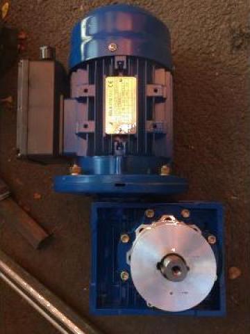 Motor electric cu reductor 0.75KW 1500RPM B5 230V de la Baza Tehnica Alfa Srl