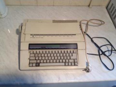 Masina electrica de scris Privileg electronic 2400 de la