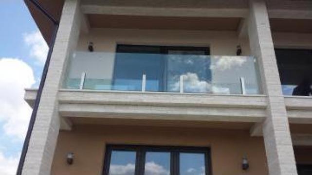 Balustrada cu prindere in stalpi