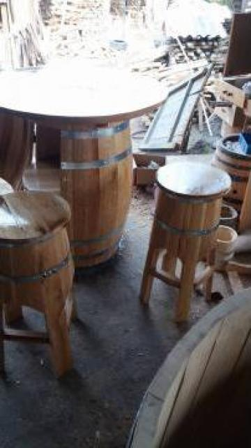 Masa si tamburele din butoi