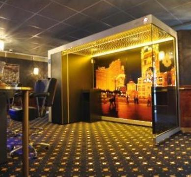 Cabina pentru fumatori Casino-Line de la Parcon Freiwald Srl