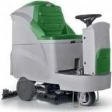 Masina de spalat pavimente cu om la bord Maxiclean 60B de la Rav Tools Srl