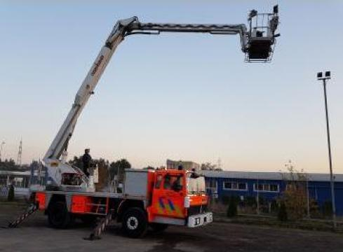 Autospeciala stingere incendii - platforma aeriana Renault