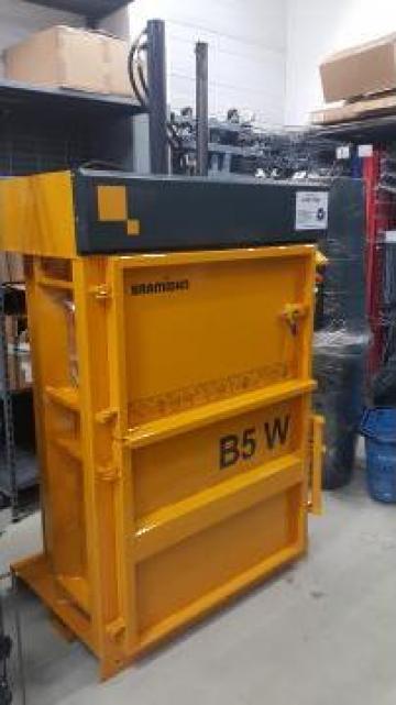 Presa de balotat deseuri B5W de la Sc Schuster Recycling Technology Srl