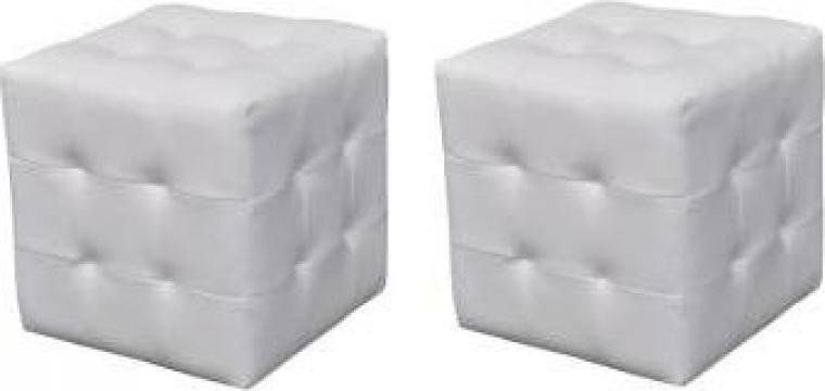 Set taburete cu forma cubica, alb