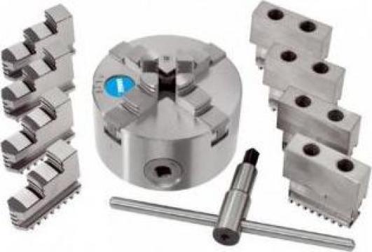 Universal autocentrant cu 4+4+4 bacuri M076/160
