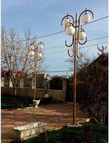 Lampadar electric de la Moblux Stradal SRL