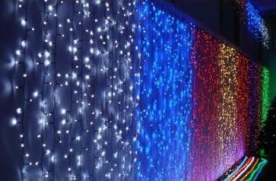 Perdea luminoasa ploaie 9x1m 300 led-uri prelungibila de la Electrofrane