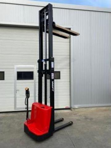 Transpaleta electrica cu catarg 1000 kg la 3m