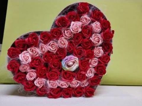 Cadou Cutie inima 59 trandafiri din sapun 0086 de la Floraria Stil