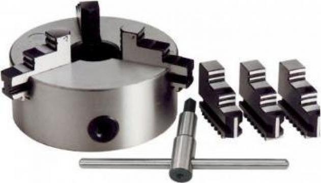 Universal autocentrant cu 3+3 bacuri M049/320 de la Proma Machinery Srl.