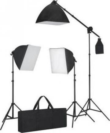Set de iluminat 3 lumini foto cu trepied si softbox