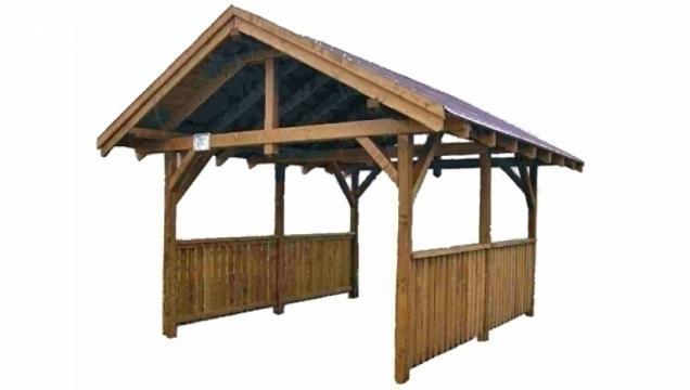 Garaj deschis in fata si spate Carport de la Korondi Arcso Srl