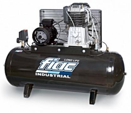 Compresor cu piston industrial AB200-3F Long Life de la It Republic Srl