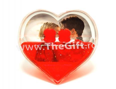 Rama foto pentru indragostiti, inima cu lichid de la Thegift.ro - Cadouri Online