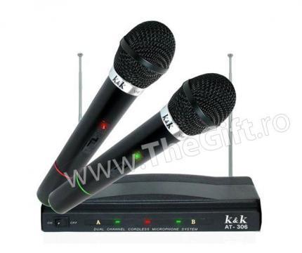 Set 2 microfoane wireless si receptor