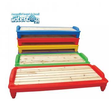 Pat pentru copii din lemn de la Waterboyz