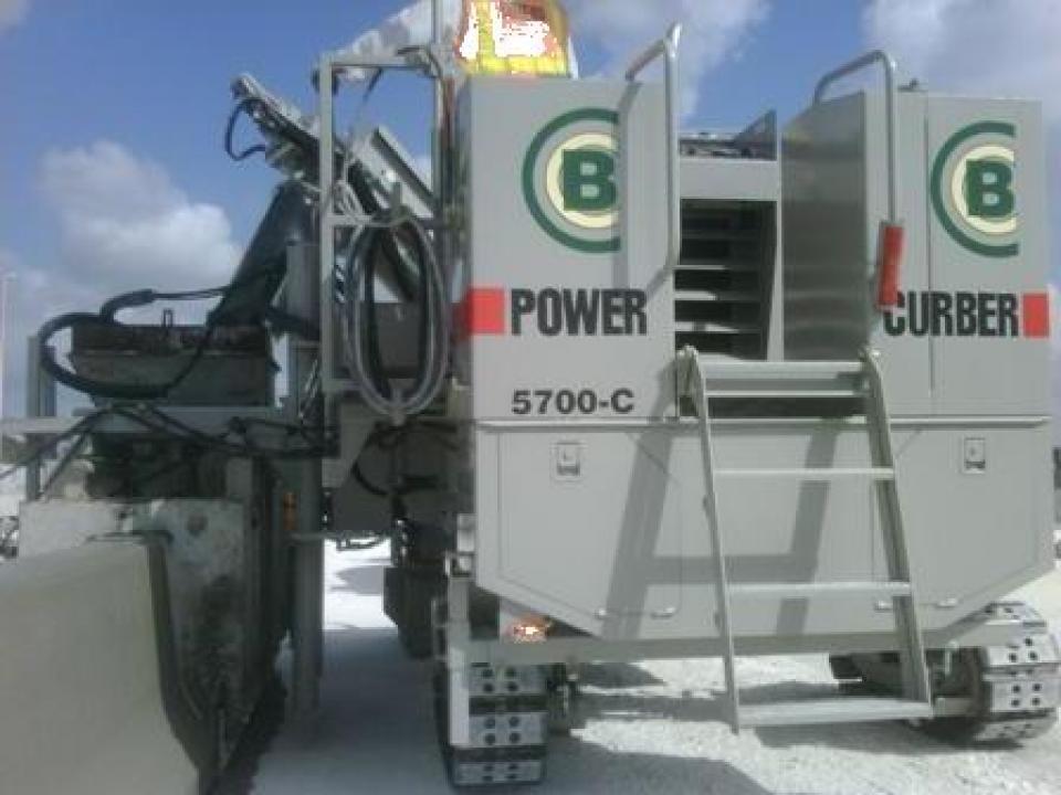 Finisor de beton cu cofraj glisant Power Curber