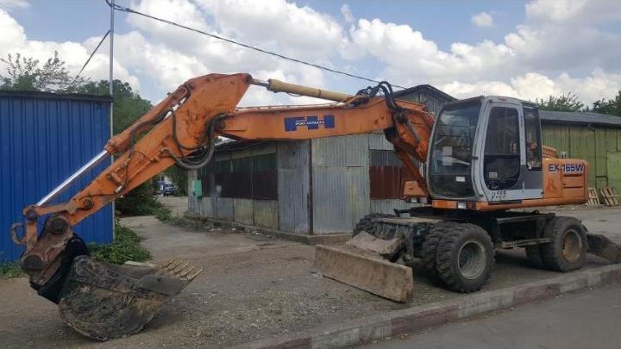 Inchirieri excavatoare pe roti 18 tone