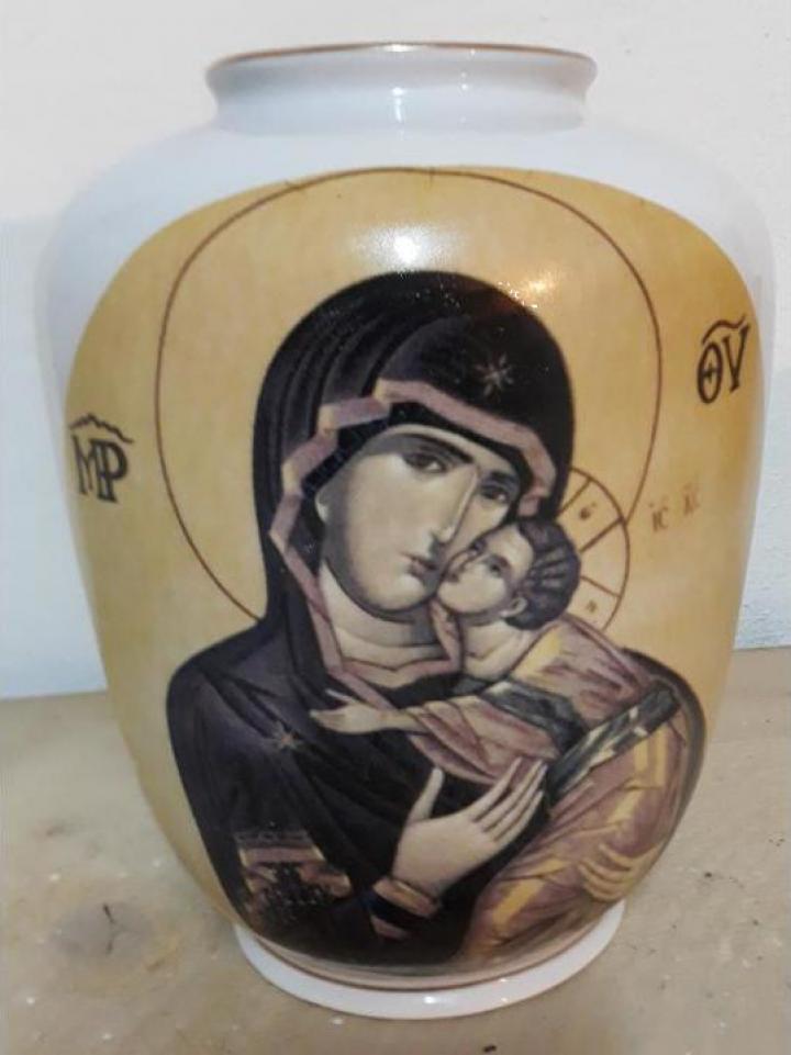 Vaza Iris Maica Domnului